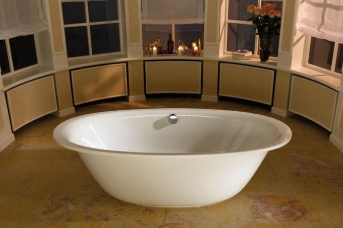 В чем особенности стальной ванны