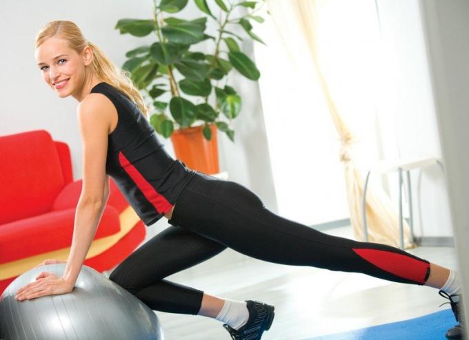 Как выбрать одежду для занятий фитнесом