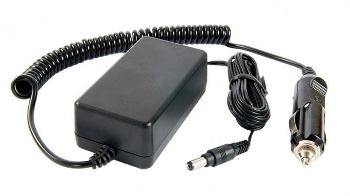 Зарядка для мобильного телефона от прикуривателя: преимущества и недостатки