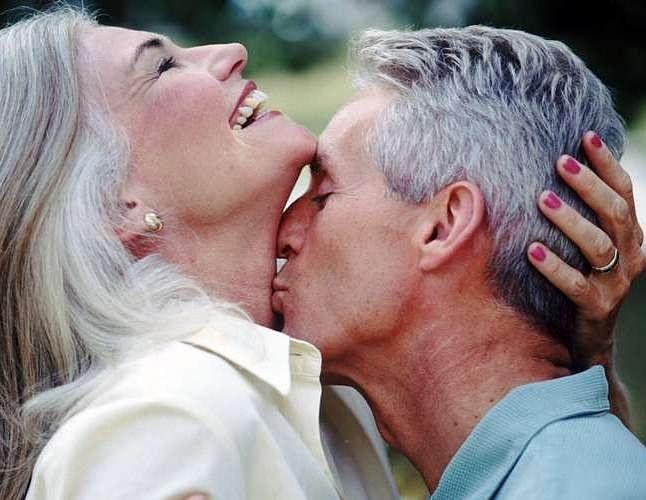 Лучшая профилактика простатита для мужчины – регулярные интимные отношения до глубокой старости