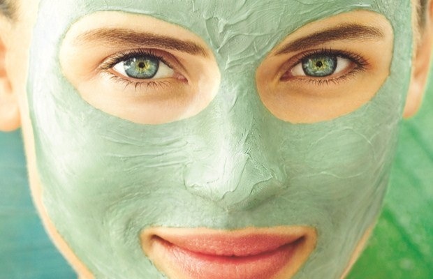 How to treat acne: cosmetic and / or therapeutic drugs