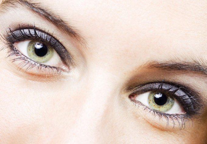 How to choose cream from wrinkles around the eyes