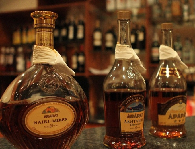 How to choose a real Armenian cognac with the purchase