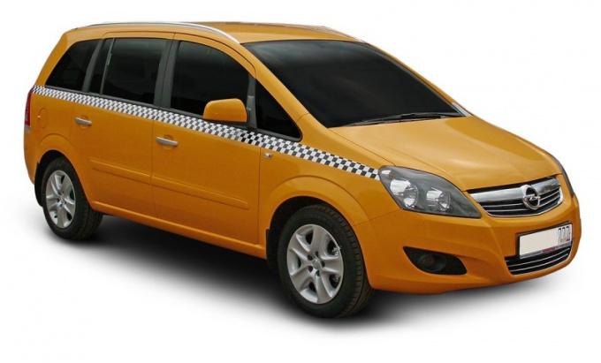Какую машину лучше купить для такси?