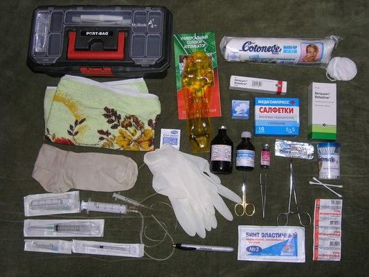 Что должно находиться в аптечке первой медицинской помощи?