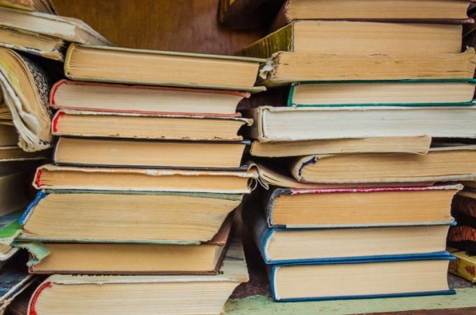 В смартфоне умещается много книг