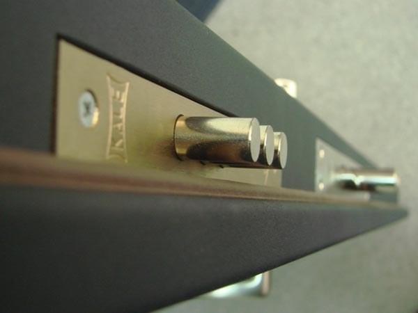Как установить бронированную входную дверь