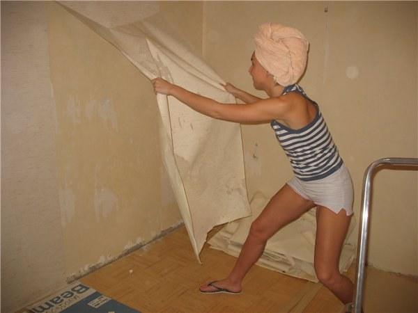 Как оклеить комнату бумажными обоями
