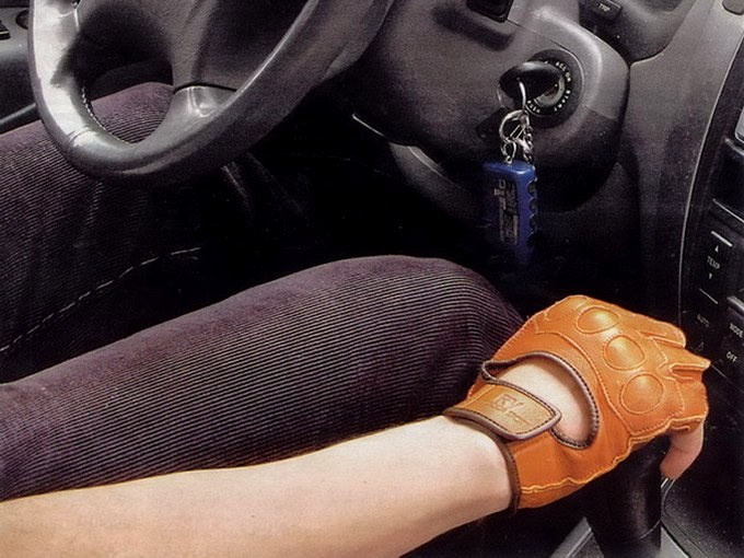 Автомобильные перчатки: есть ли польза?