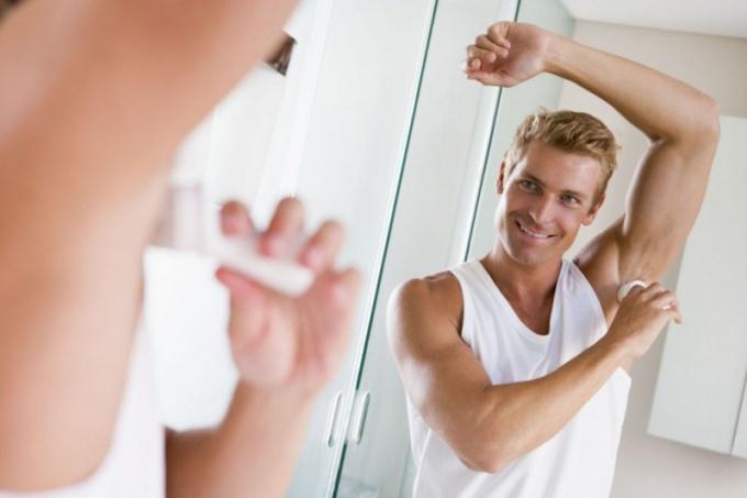 Как подобрать эффективный дезодорант для мужчины