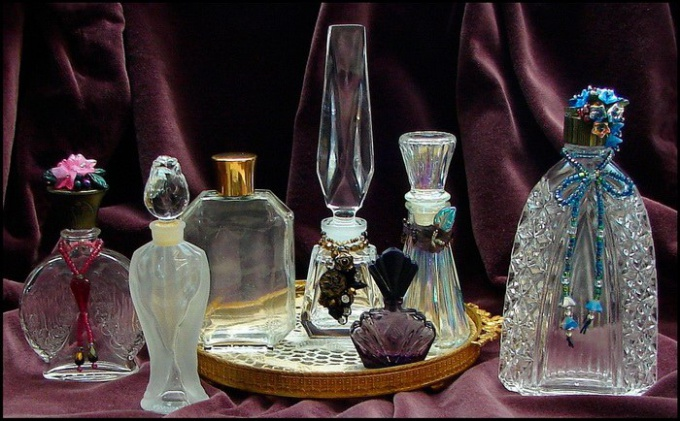 http://mylitta.ru/uploads/posts/2012-01/1325849464_perfume-bottles-1.jpg