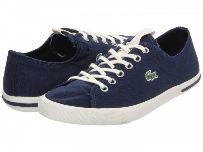 What to wear with sneakers Lacoste