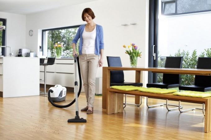 Как выбрать пылесос с водяным фильтром