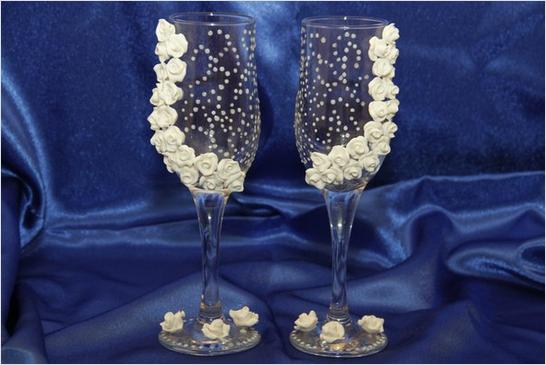 Как предпочесть бокалы на свадьбу для молодоженов