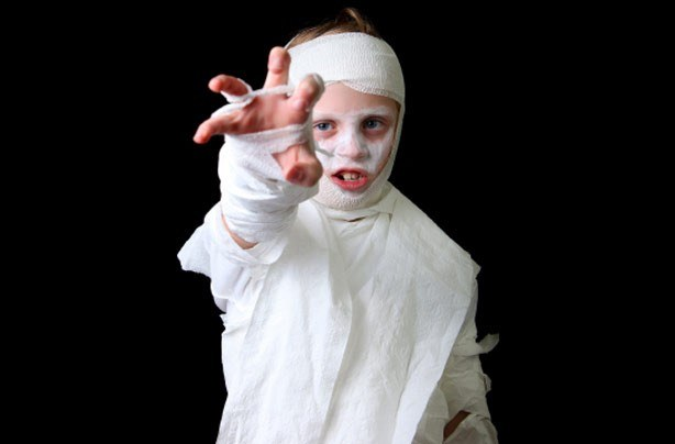http://goodtoknow.media.ipcdigital.co.uk/111/00000b848/8b23_orh100000w614/Halloween-costume-mummy.jpg