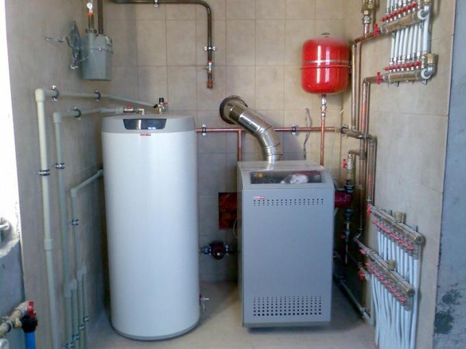 Котел отопления обеспечивает тепло всего дома