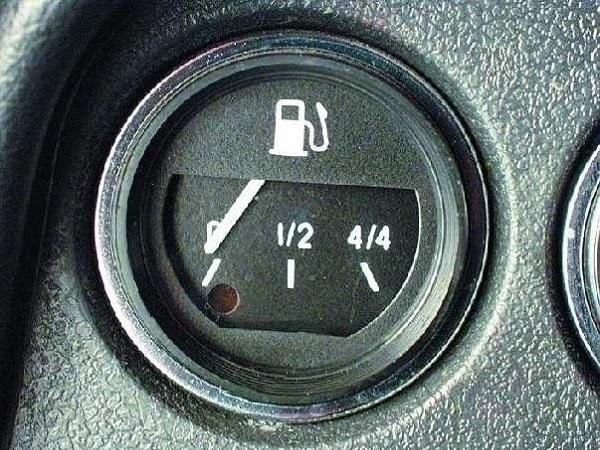 Индикатор уровня топлива ВАЗ-2106