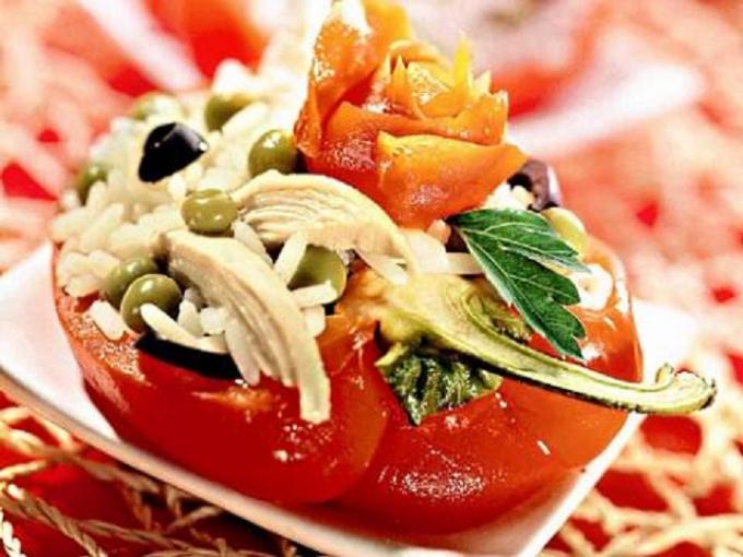 Рисовый салат в корзинках из сладкого перца