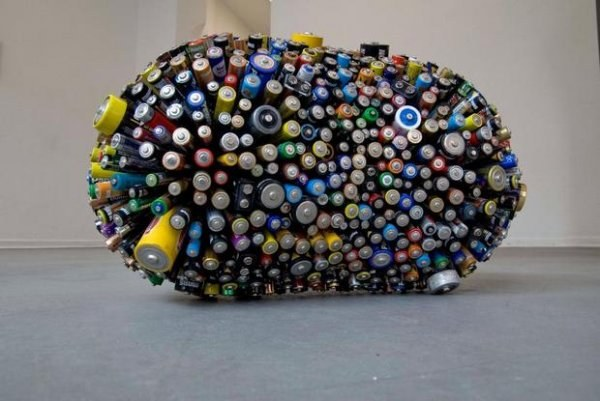 Существуют батарейки различных видов.