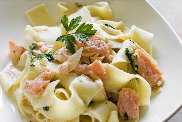 Тальятелле с лососевым соусом