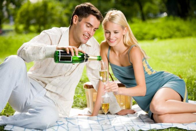 Первое свидание - момент близкого знакомства