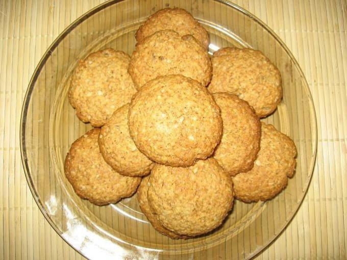 Рецепт хрустящего печенья из манки