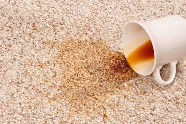 Как вывести пятно от кофе с ковра