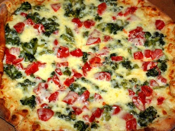 Три необычных соуса для пиццы