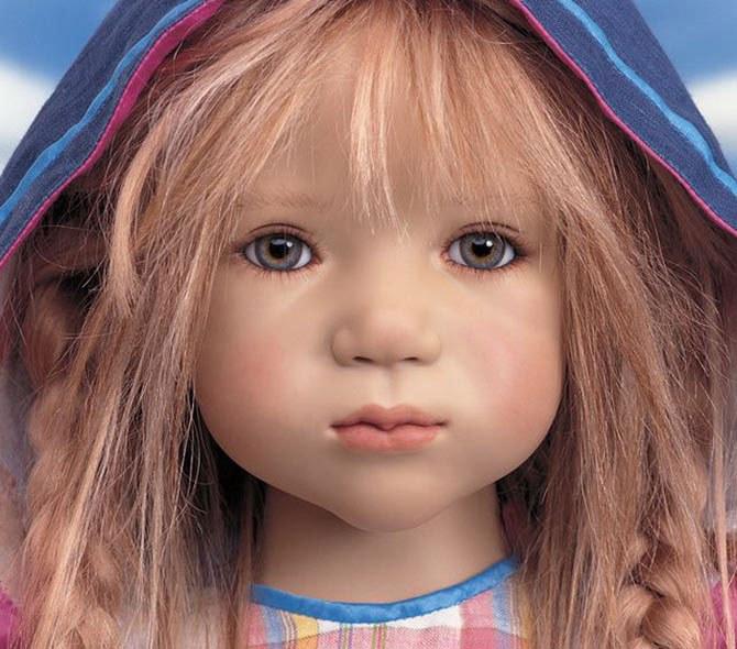 Как выбрать фарфоровую куклу