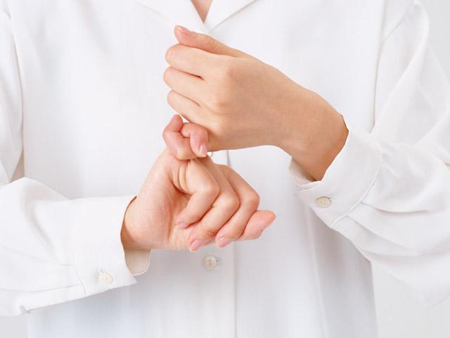 Язык жестов - средство общения с глухонемыми