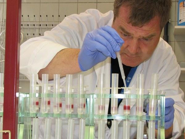 Метод тонкослойной хроматографии получил широкое распространение.