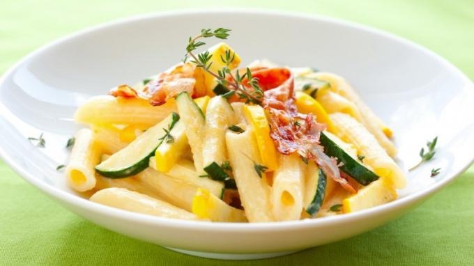 Гарнир из макарон с овощами