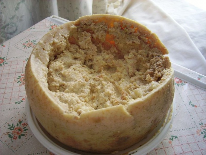 """Касу Марцу также называют """"сыром второй свежести"""""""