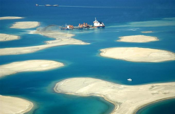 Искусственные острова в Дубаи - дело рук человеческих