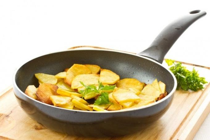 Как поджарить картошку с корочкой