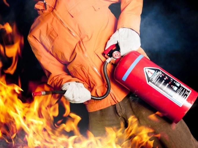Как работает огнетушитель