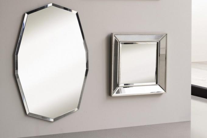 Как приклеить зеркало