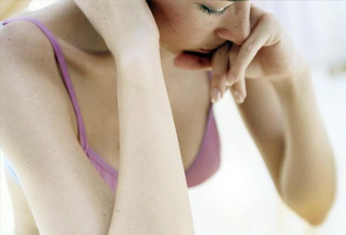 Как избавиться от опрелостей под грудью