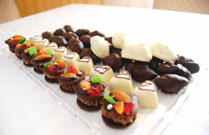 Вкусный комплимент от шеф-повара - конфеты ручной работы