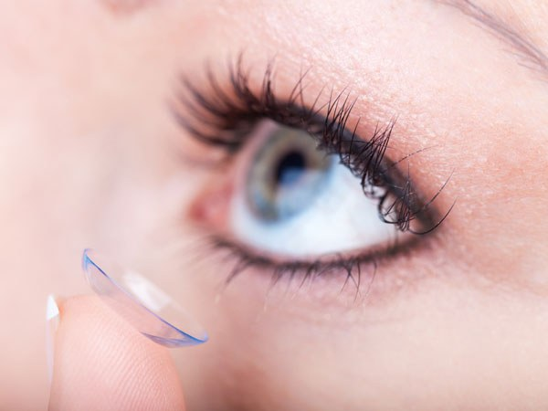 Wearing contact lenses can cause redness of the eyes.