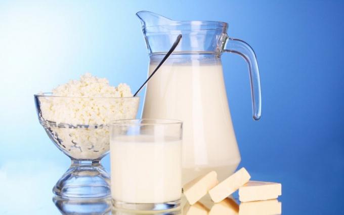 Какое количество белка содержится в молочных продуктах