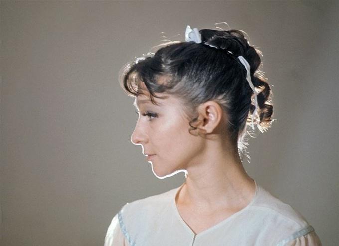 Какова причина смерти балерины Екатерины Максимовой?