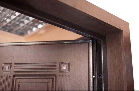 Как крепить доборы откосов входной двери
