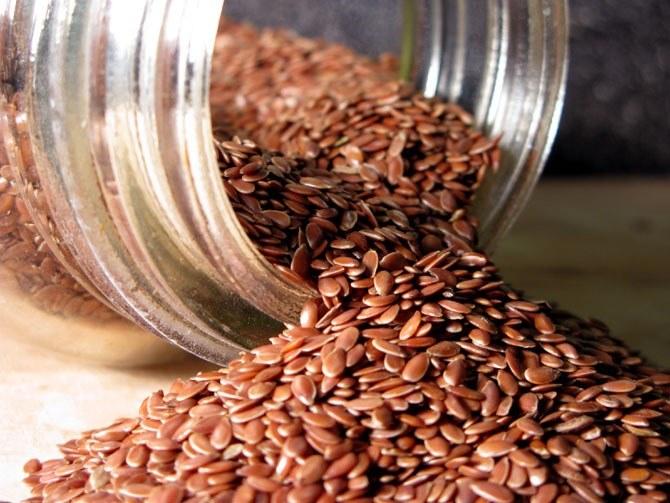 Приготовленную из льняного семени муку используют для выпечки хлеба, блинов, пирожков, из нее варят вкусные и полезные каши, добавляют в фарш, омлеты и запеканки