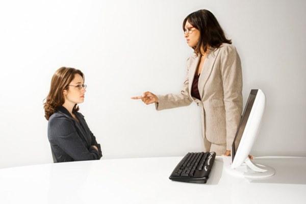 Как поставить начальницу на место