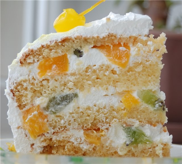 Creams are tasty, nutritious and beautifully decorated sponge cakes