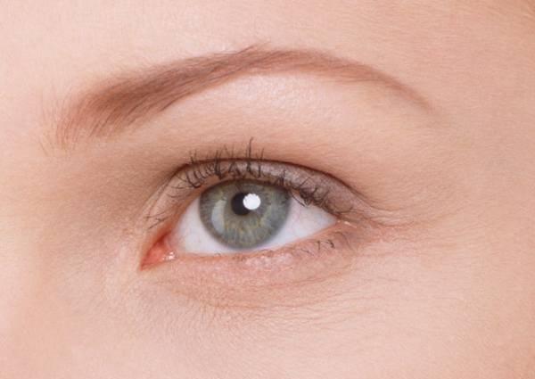 Что делать, если белки глаз изменили цвет