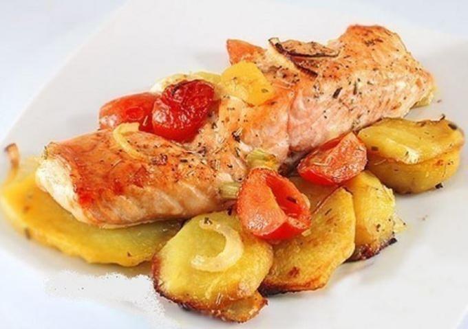 Как приготовить форель с картошкой в духовке