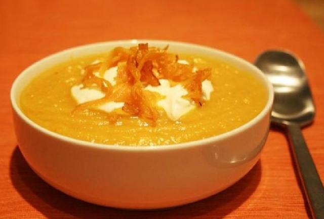 Крем-суп с гренками