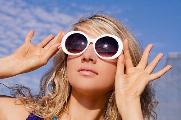 На что обращать внимание при покупке очков от солнца
